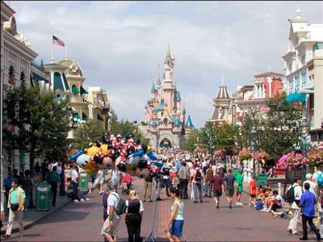 Restaurantes y media pensión en Disneyland París