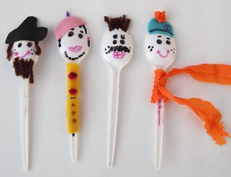 Manualidades para niños: Títeres cuchara.