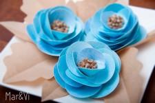 Románticas flores de papel