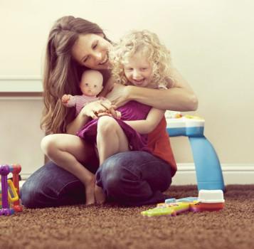 """Nenuco, ¡sé una """"Modern Mami"""" y juega con tu hija!"""