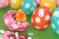 Manualidades infantiles, ¡huevos de Pascua divertidos!