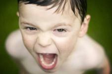 Cómo afrontar los ataques de ira en niños
