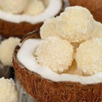 Bolitas de coco, un postre fácil sin horno