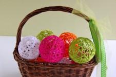 Manualidades con lana, bolas decorativas