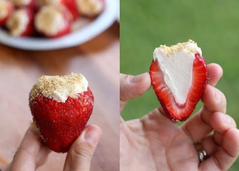 Postres fáciles, fresas rellenas con crema de queso