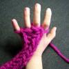 Tejer con las manos ¡una manualidad divertida!