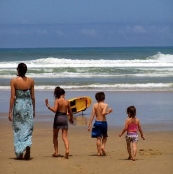 9 consejos para cuidar a los niños en la playa