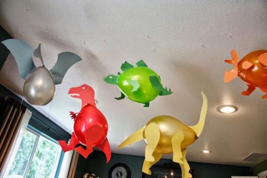 Decoración con globos para fiestas de dinosaurios