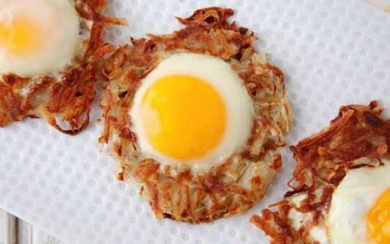 Nidos de patata y huevo, ¡recetas fáciles para la cena!