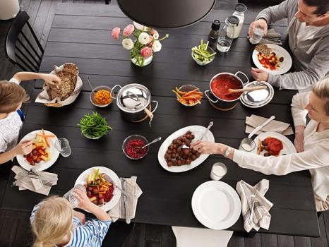 Cena en familia ¿Nos sentamos a la mesa?