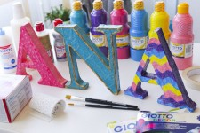 Letras de cartón en 3D para decorar