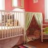 Un escondite en la habitación infantil