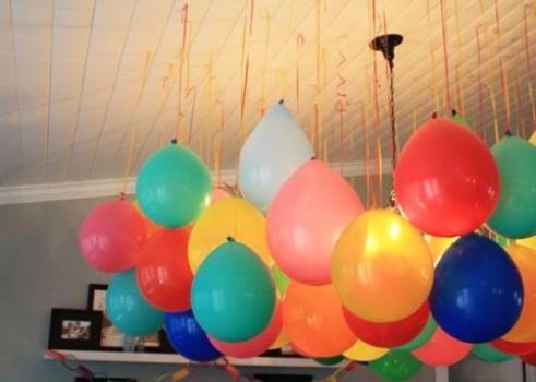 Decorar con globos colgantes
