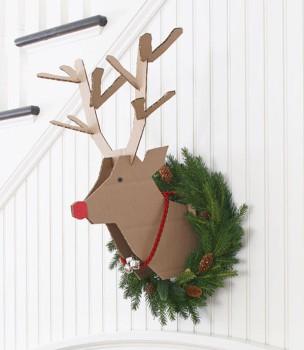 Rudolph, un adorno navideño de cartón