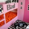 Una piscina de bolas en la habitación infantil