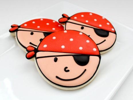 Cómo decorar galletas para una fiesta pirata