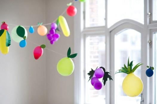 Una guirnalda de globos para un cumpleaños