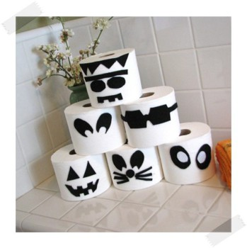 Decoración de Halloween: monstruos de papel higiénico