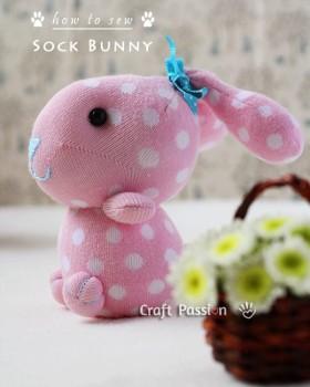 Cómo hacer un conejito de peluche con un calcetín