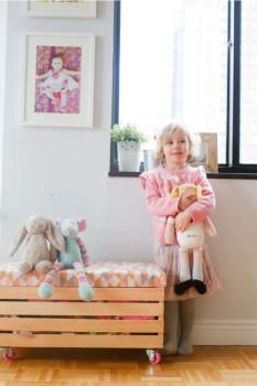 Cómo hacer un juguetero con una caja de madera