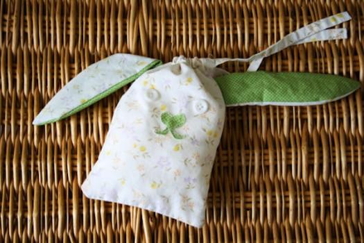 Bolsa de tela en forma de conejo