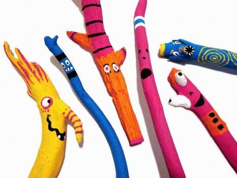 Manualidades fáciles para niños: ¡pintar palos!
