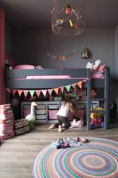 Camas infantiles. Ganar espacio con camas altas