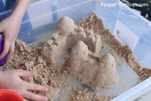 Manualidades para niños, ¡castillos de arena en casa!