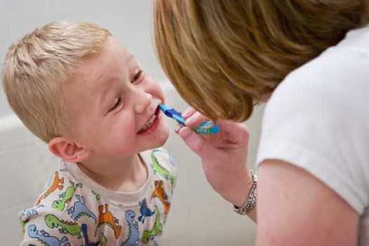 La limpieza bucal de los niños