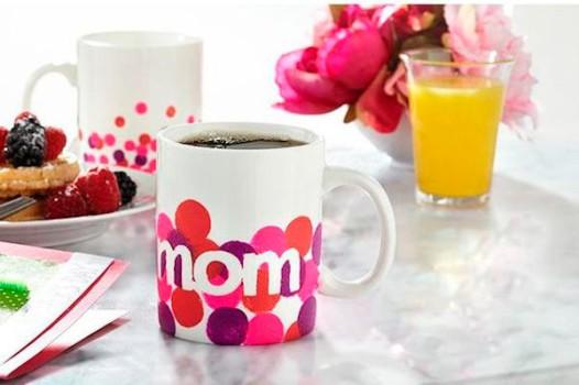 Regalos para el Día de la Madre, ¡tazas pintadas!
