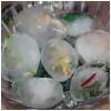 Juegos infantiles, huevos de dinosaurio congelados