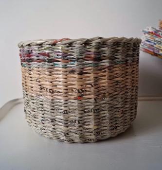 Cómo hacer cestas con periódicos
