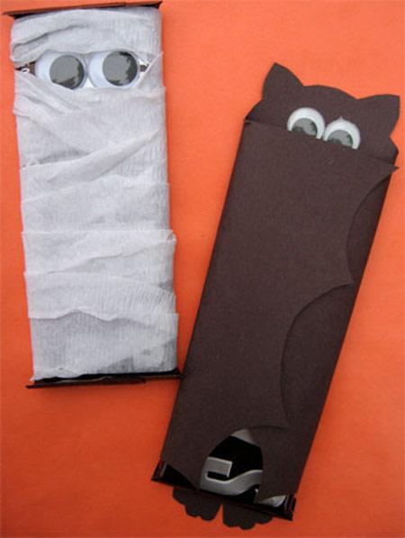 Manualidades fáciles para Halloween, envuelve los dulces... 2