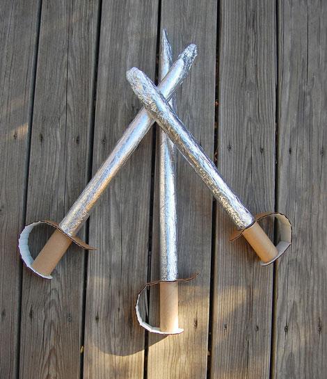 Manualidades de cartón espada