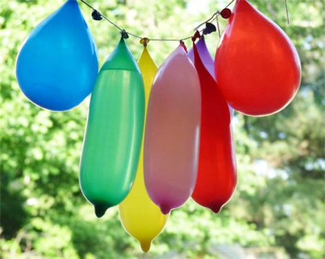 juegos de agua piñatas de globos