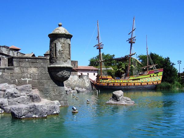 Isla Mágica piratas
