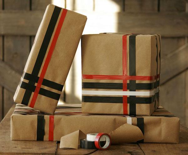Envolver regalos de forma original reciclando pequeocio - Paquetes originales para regalos ...