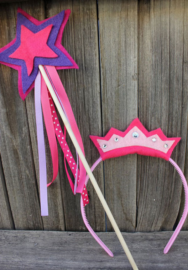 Varita magica y coronas princesas