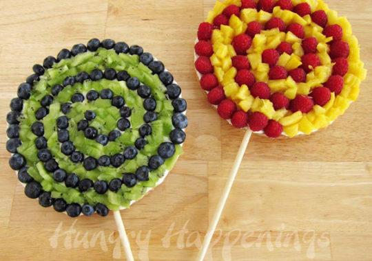 Pizzas de fruta en piruletas 4