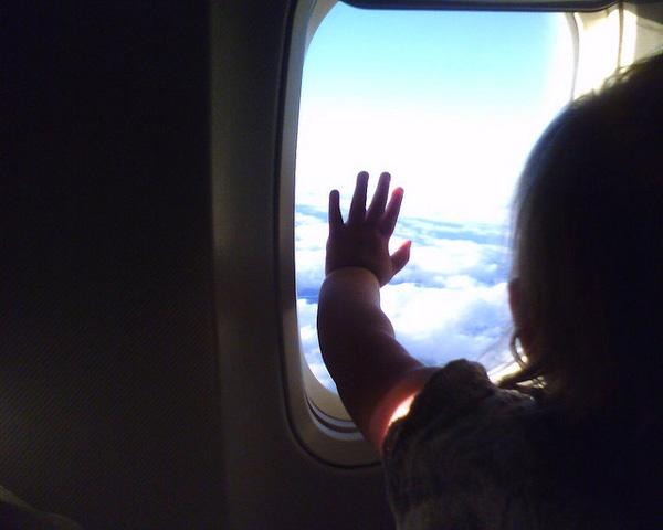 Consejos para volar con bebés y niños