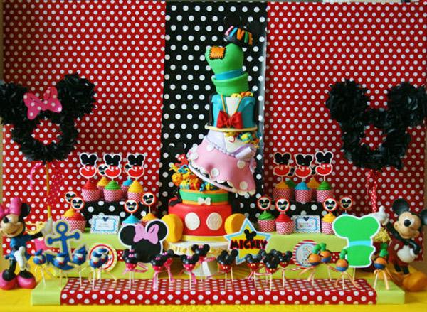 Cumplea os infantiles de mickey mouse pequeocio - Decoracion cumpleanos infantiles manualidades ...