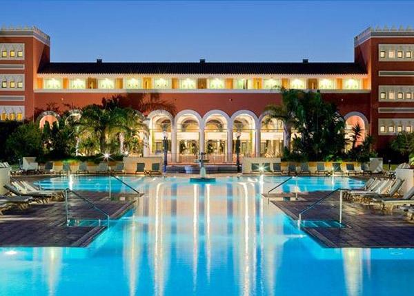 Hoteles para ir de vacaciones con ni os en espa a pequeocio for Hoteles para familias