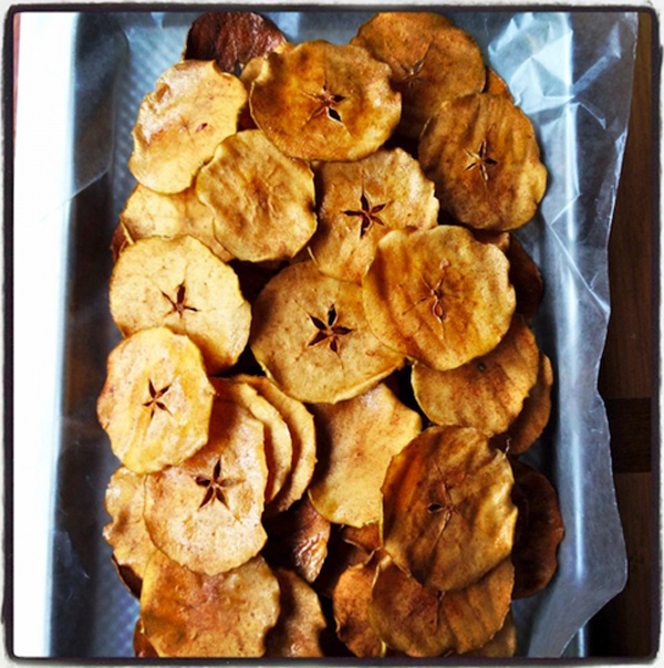 Chips de manzana al horno con azúcar y canela 1