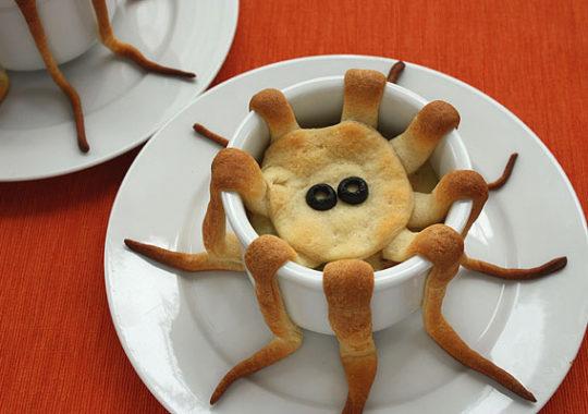 Un pastel de pollo terroríficamente fácil para Halloween 7