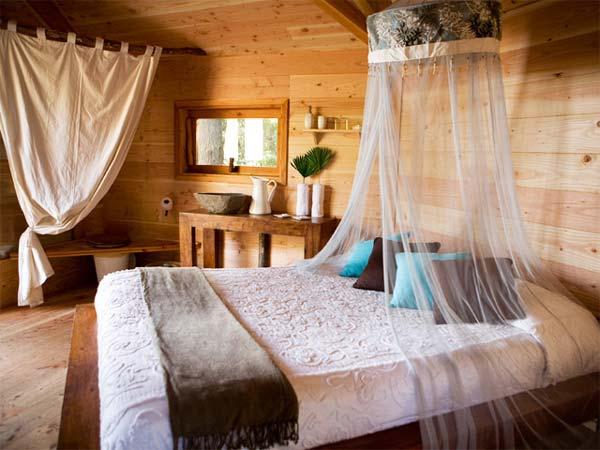 Cabanes als arbres dormir en una caba a en espa a - Casas en los arboles girona ...