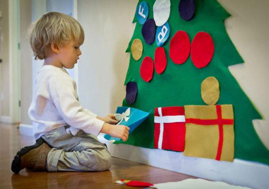 Un árbol de Navidad de fieltro [fácil y divertido] 3