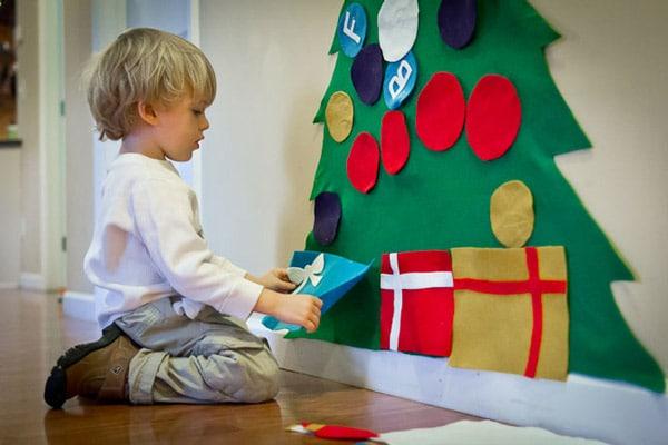 Un árbol de Navidad de fieltro [fácil y divertido] 1