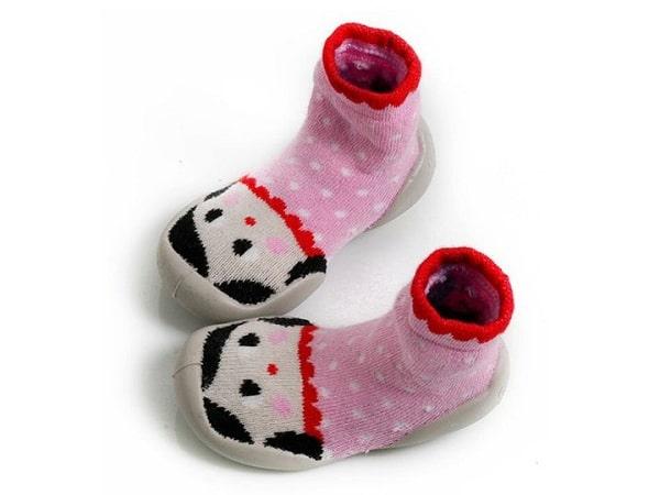 f0fb0d477 Calcetines con suela de goma para niños y mayores | Pequeocio.com