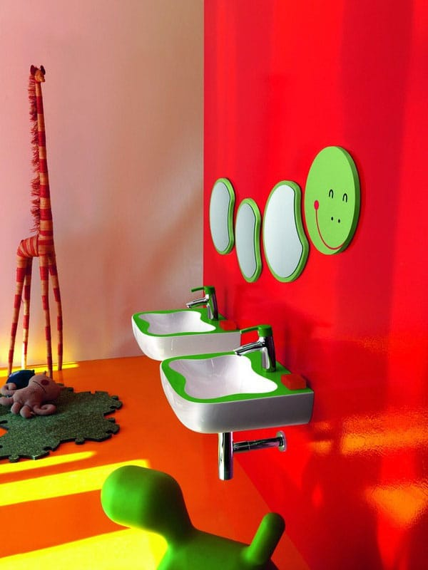 Baños Jardin Infantil:Colorful Kids Bathroom Ideas