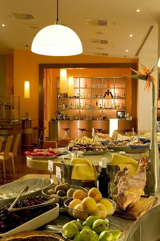 Novotel Sevilla buffet